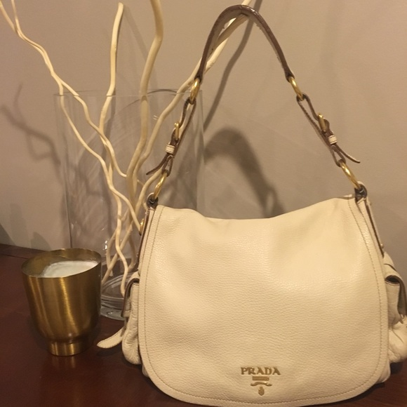 5bbc625537 Authentic Prada Leather cream shoulder bag. M_5be9e1d4194dad37949dd2e9